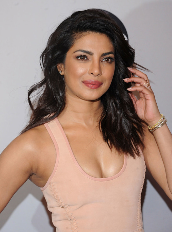 Priyanka-Chopra-2016-ABC-Upfront-Red-Carpet-Fashion-Dion-Lee-Tom-Lorenzo-Site-3