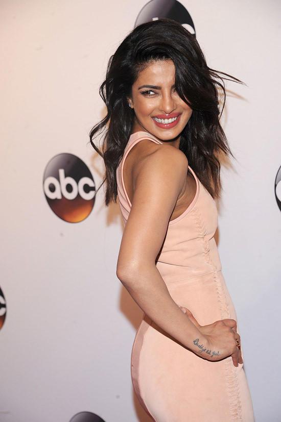 Priyanka-Chopra-2016-ABC-Upfront-Red-Carpet-Fashion-Dion-Lee-Tom-Lorenzo-Site-4