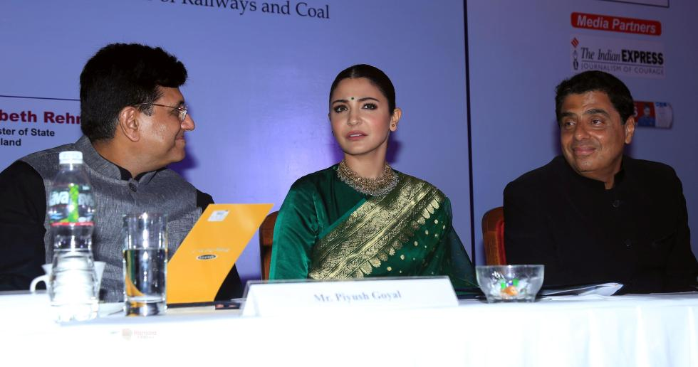 hpse_fullsize_35610_2834046161_Anushka Sharma At Priyadarshani Awards At Triden Hotel , Nariman Point on 19th Sept 2018 (12)_5ba346217e91d.jpg